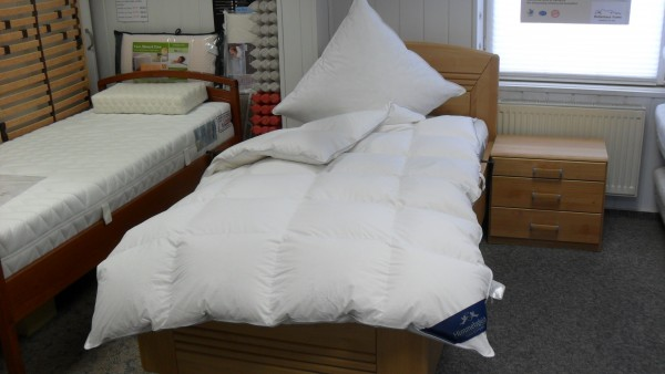 Daunen - Ganzjahres leicht - Kassettenbett Größe 155 x 220